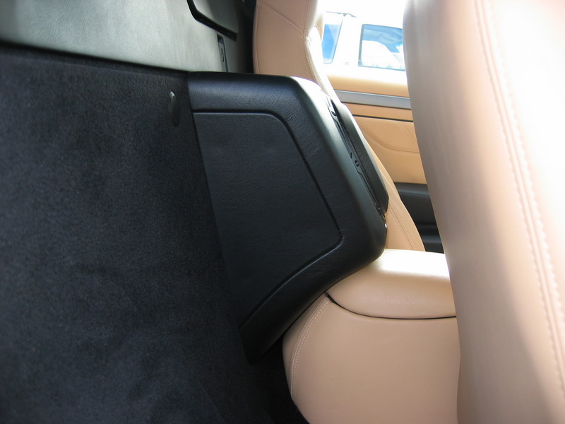 Side View of Custom Sub box between front seats of Maseradi